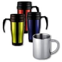 Tassen und Becher aus Metall