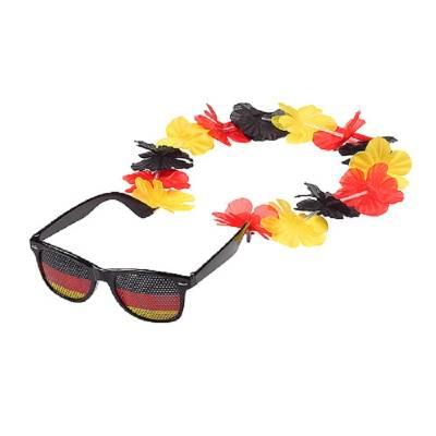 Sonnenbrille mit Blumenkette