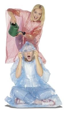 Einweg Regenponcho als Schutzbekleidung in der Corona Pandemie