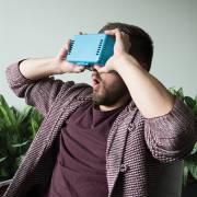 vergrößerbare VR-Brille - blau